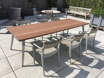 Dedon Play tafel 270 met stoelen uitverkoop (1)