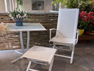 Ego Paris Premiere fauteuil met voetenbankje en tafeltje wit (2)