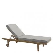 Gloster bay lounger