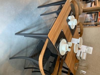 Royal Botania Unite tafel 150cm met Jive stoelen uitverkoop (2)