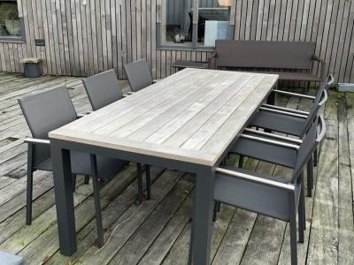 Suns Vario tafel met Tutti stoelen (1)